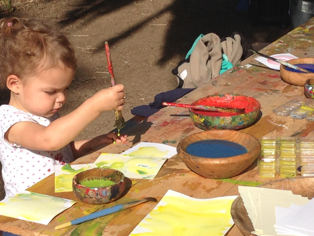 7 tips painting with toddler preschool kids for Craft classes for toddlers