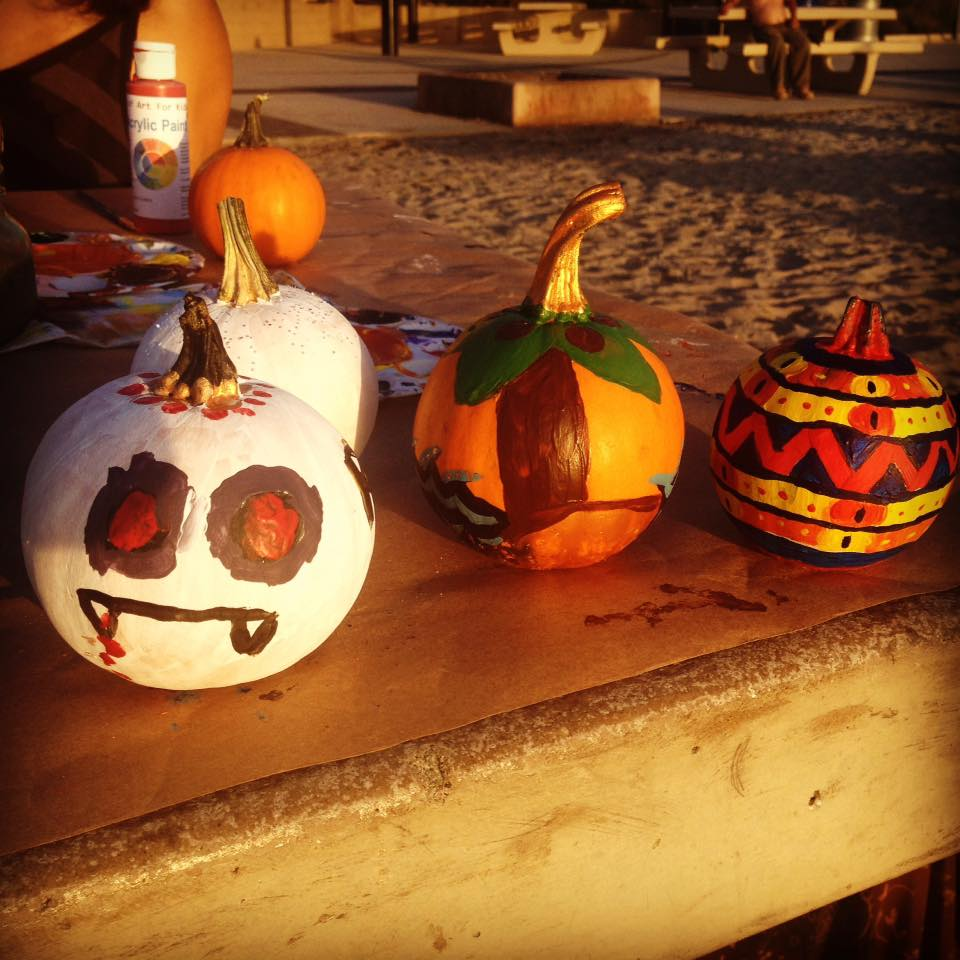how to halloween pumpkin paint with acrylic paints |